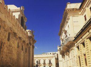 Itinerario di viaggio nella Sicilia orientale : come arrivare, dove alloggiare e cosa fare