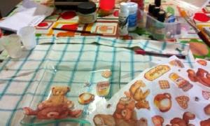 Idea regalo fai da te : piatti decorati con carta di riso