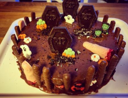 DIY : come creare una torta di Halloween di effetto, facile e veloce