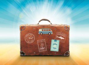 Valigia bambini : cosa portare in vacanza al mare o in montagna